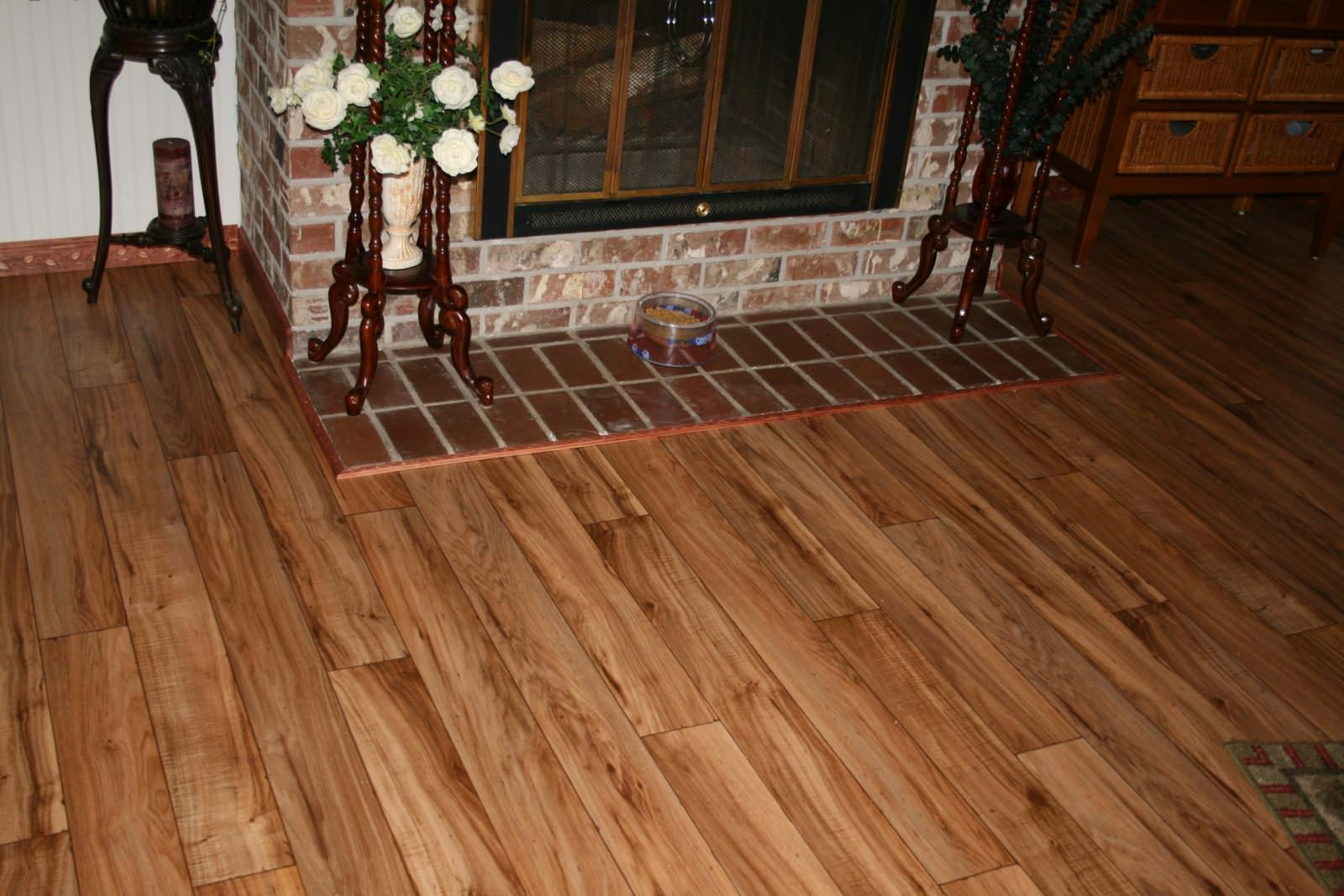 Beautiful Vinyl Flooring Looks Like Wood