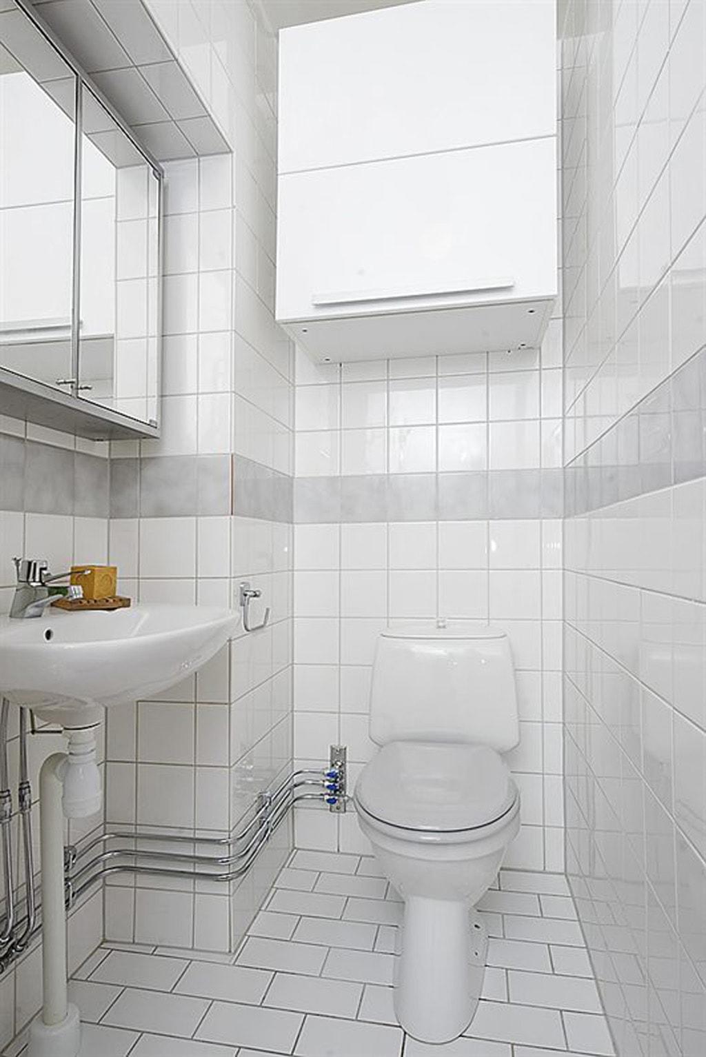 The Best White Bathroom Flooring